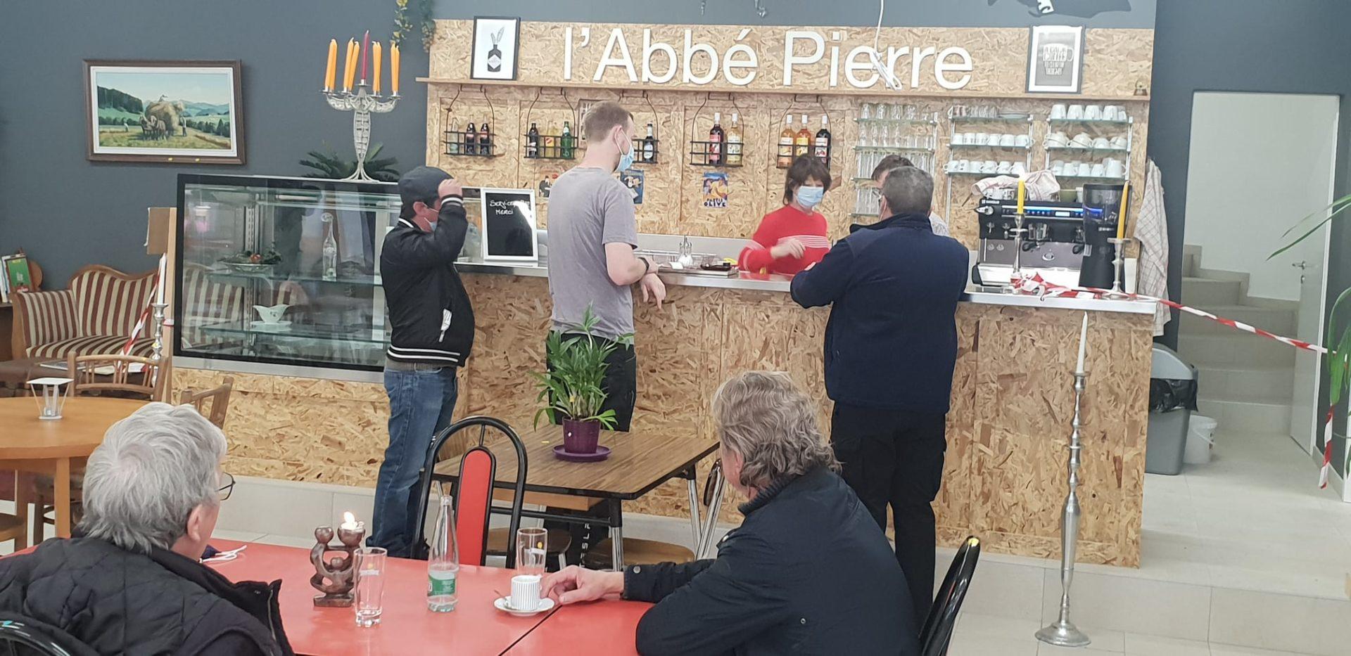 Cafe_Fribourg_Suisse_2020.jpg
